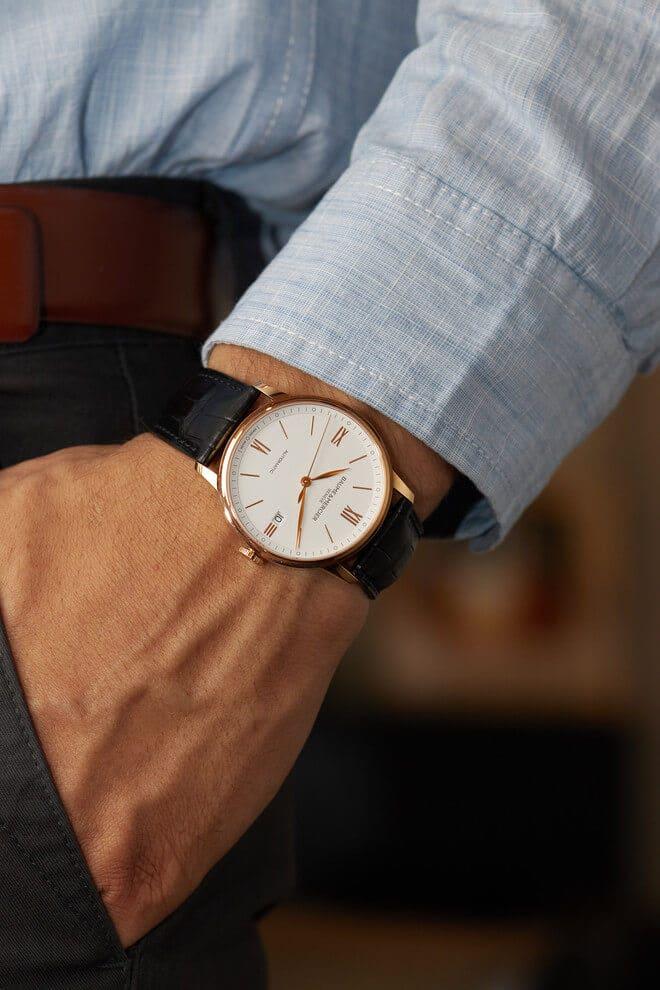 Herrenuhr Baume & Mercier Classima Automatik 39mm mit weißem Zifferblatt und Alligatorenleder-Armband