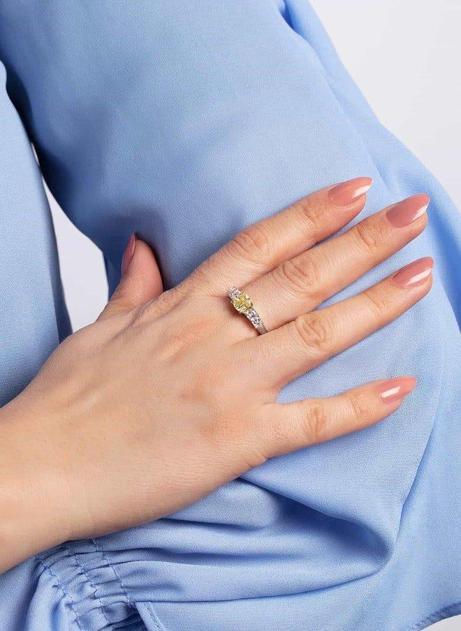 Ring Brogle Selection Exceptional aus 750 Weißgold und 750 Gelbgold mit 5 Diamanten (2,14 Karat) bei Brogle