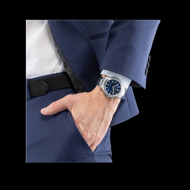 Herrenuhr Citizen Basic Quarz 42mm mit blauem Zifferblatt und Edelstahlarmband bei Brogle