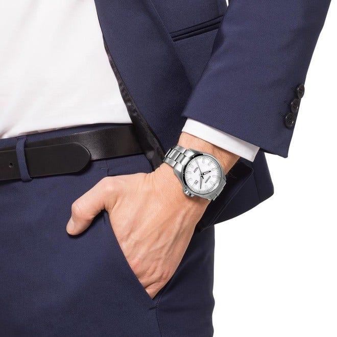 Herrenuhr Citizen Elegant Quarz 43mm mit weißem Zifferblatt und Edelstahlarmband bei Brogle
