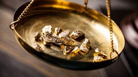 Echtheit von Gold prüfen - Tipps für zu Hause
