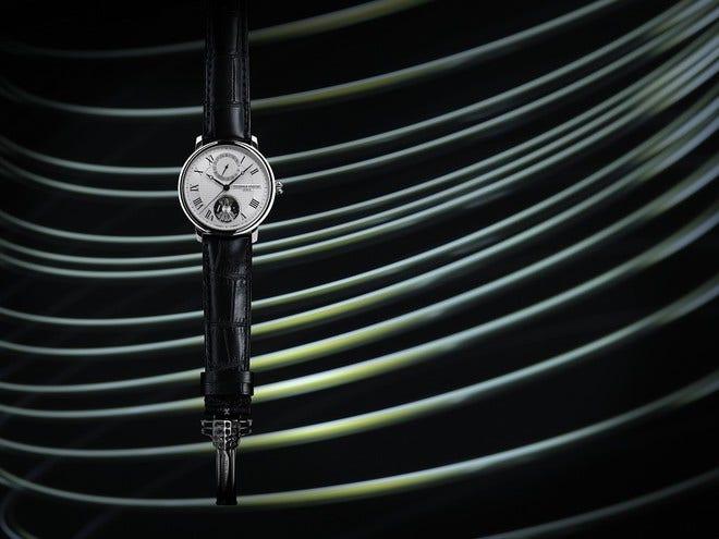 Herrenuhr Frederique Constant Slimline Monolithic Manufacture mit silberfarbenem Zifferblatt und Alligatorenleder-Armband bei Brogle
