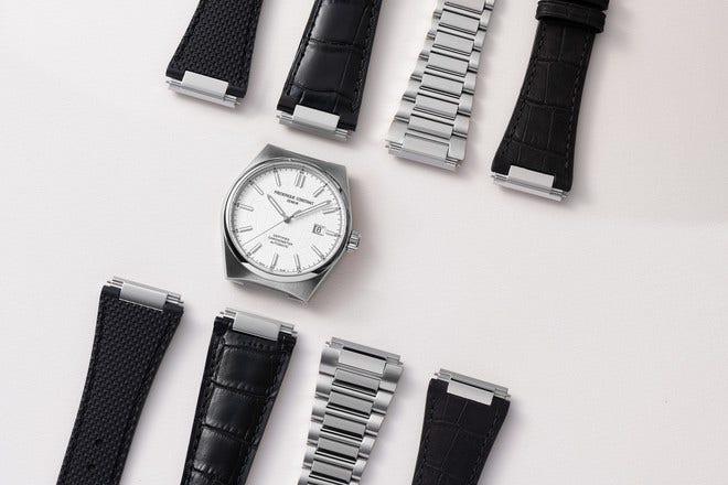 Herrenuhr Frederique Constant Highlife Automatic COSC 41mm mit silberfarbenem Zifferblatt und Kalbsleder-Armband bei Brogle