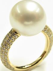 Ring Gellner Modern Classic aus 750 Gelbgold mit Südsee-Perle und 138 Brillanten (1,204 Karat)