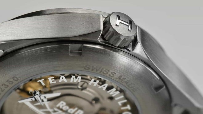 Armbanduhr Hamilton Khaki Air Race 38mm mit silberfarbenem Zifferblatt und Edelstahlarmband bei Brogle