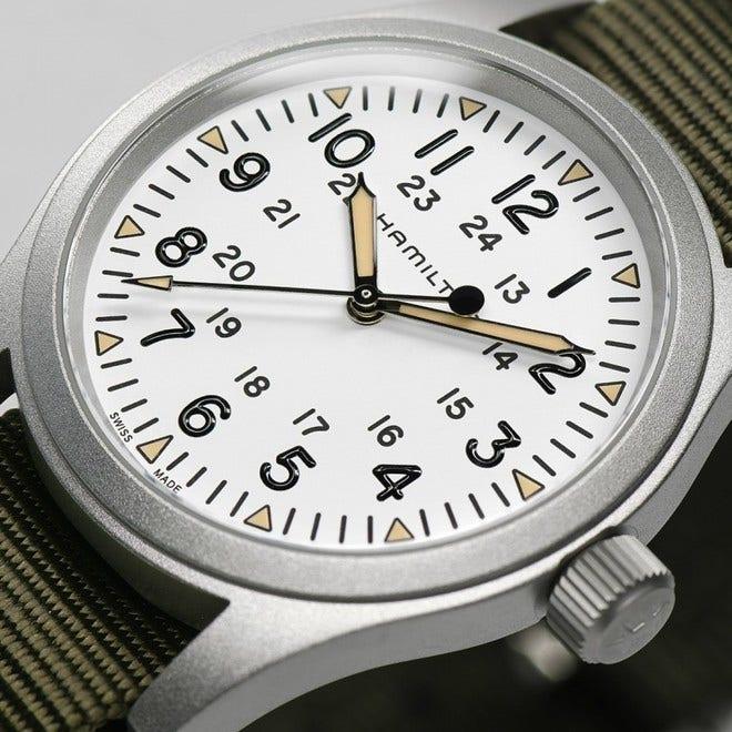 Armbanduhr Hamilton Khaki Field Mechanical mit weißem Zifferblatt und Textilarmband bei Brogle