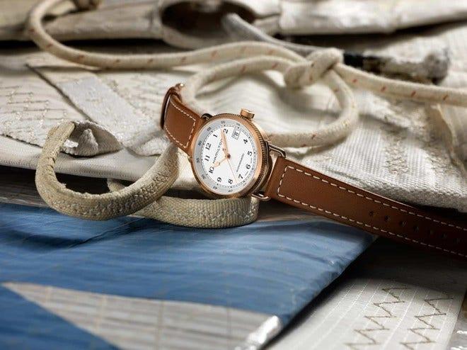 Damenuhr Hamilton Khaki Navy Pioneer Automatik 36mm mit weißem Zifferblatt und Kalbsleder-Armband bei Brogle