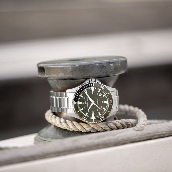 Herrenuhr Hamilton Khaki Navy Scuba Automatik 40mm mit grünem Zifferblatt und Edelstahlarmband bei Brogle