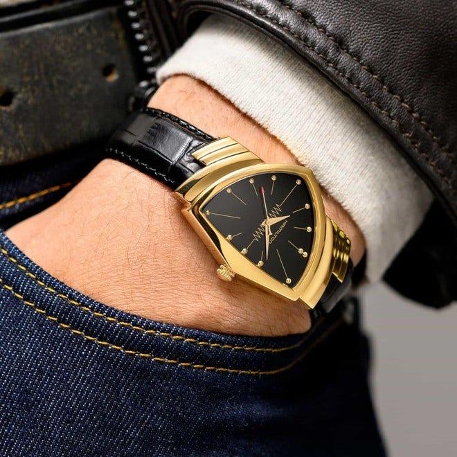 Damenuhr Hamilton Ventura Quarz 32,3 x 50,3mm mit schwarzem Zifferblatt und Kalbsleder-Armband bei Brogle