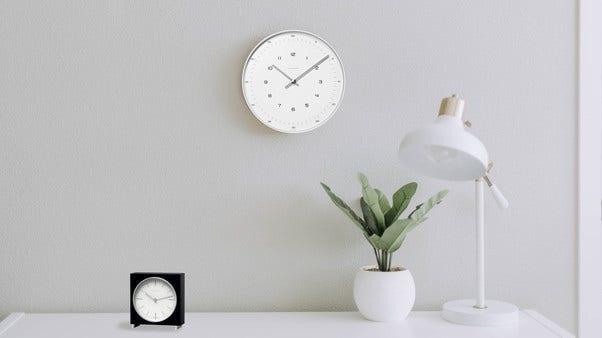 Junghans Wand und Tisch Uhren Bild