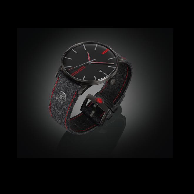 Armbanduhr Junghans Form A Edition 160 mit schwarzem Zifferblatt und Textilarmband bei Brogle
