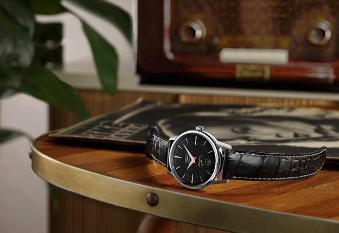 Herrenuhr Longines Flagship Heritage 38,5mm mit schwarzem Zifferblatt und Alligatorenleder-Armband bei Brogle