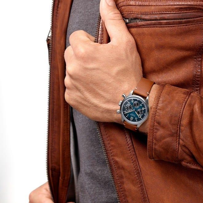 Herrenuhr Longines Avigation Big Eye Chronograph 41mm mit blauem Zifferblatt und Kalbsleder-Armband bei Brogle