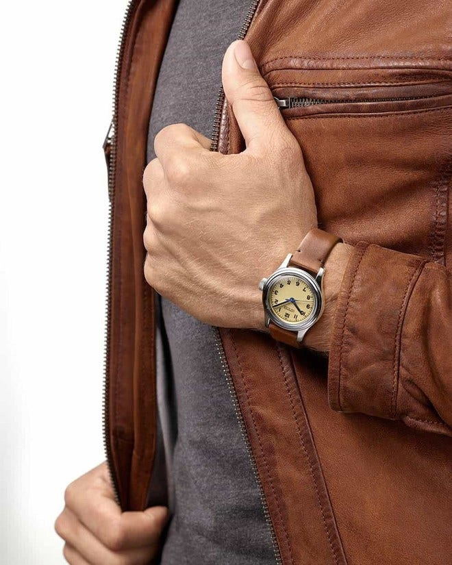 Armbanduhr Longines Heritage Military Marine Nationale mit beigefarbenem Zifferblatt und Kalbsleder-Armband bei Brogle