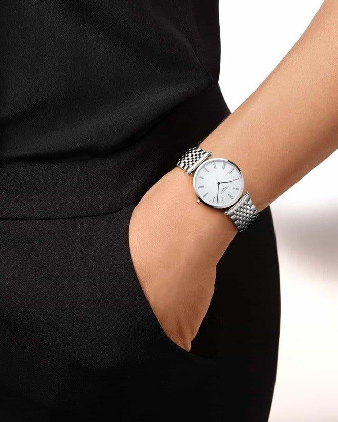 Armbanduhr Longines La Grande Classique de Longines Quarz 33mm mit weißem Zifferblatt und Edelstahlarmband bei Brogle
