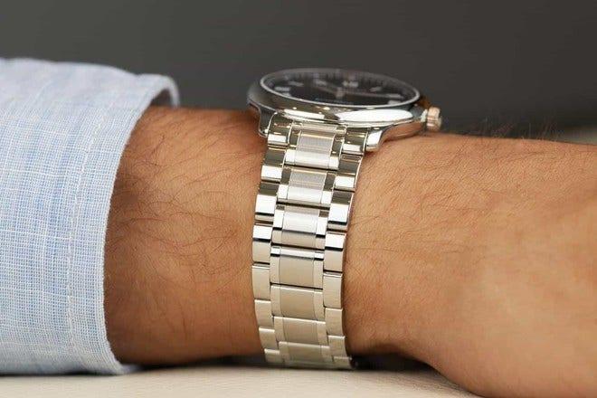 Armbanduhr Longines Master Automatik 38,5mm mit schwarzem Zifferblatt und Edelstahlarmband bei Brogle