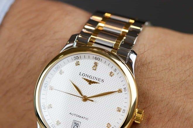 Armbanduhr Longines Master Automatik 38,5mm mit Diamanten, silberfarbenem Zifferblatt und Edelstahlarmband bei Brogle