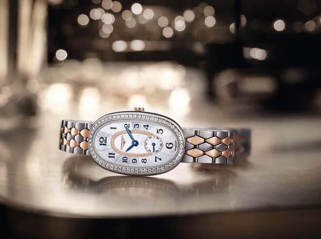 Damenuhr Longines Symphonette Quarz S mit Diamanten, perlmuttfarbenem Zifferblatt und Edelstahlarmband bei Brogle