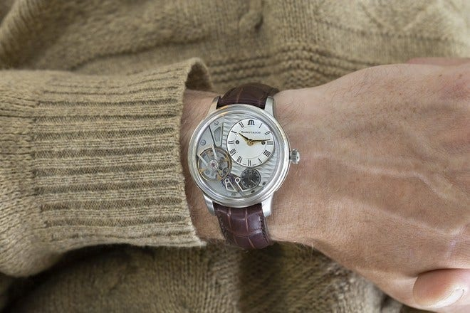 Herrenuhr Maurice Lacroix Masterpiece Gravity 43mm mit silberfarbenem Zifferblatt und Kalbsleder-Armband bei Brogle