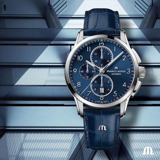 Herrenuhr Maurice Lacroix Pontos Chronograph 43mm mit blauem Zifferblatt und Armband aus Kalbsleder mit Krokodilprägung bei Brogle