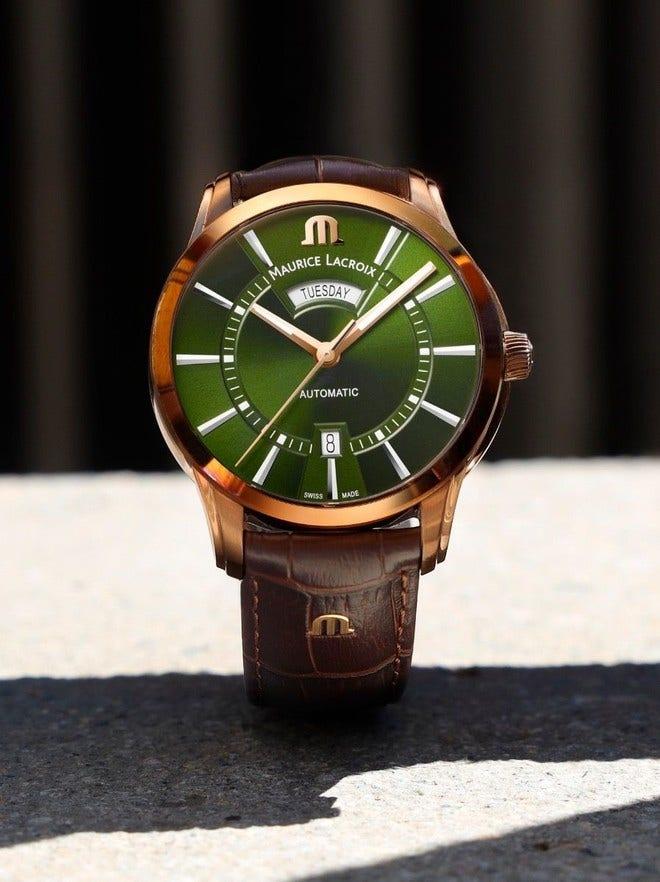 Herrenuhr Maurice Lacroix Pontos Day Date 41mm mit grünem Zifferblatt und Armband aus Kalbsleder mit Krokodilprägung bei Brogle