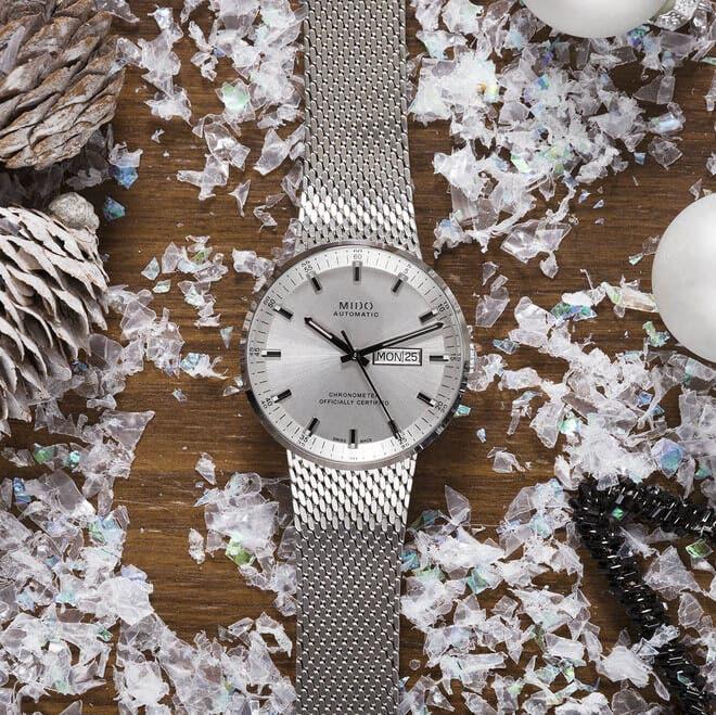 Herrenuhr Mido Commander Icône Gent Chronometer mit silberfarbenem Zifferblatt und Edelstahlarmband bei Brogle
