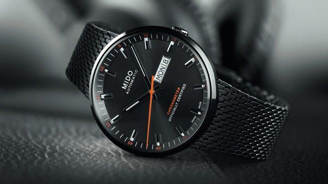 Herrenuhr Mido Commander Icône Gent Chronometer mit schwarzem Zifferblatt und Edelstahlarmband bei Brogle
