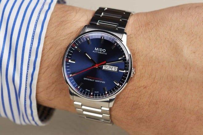 Herrenuhr Mido Commander II Chronometer mit blauem Zifferblatt und Edelstahlarmband bei Brogle