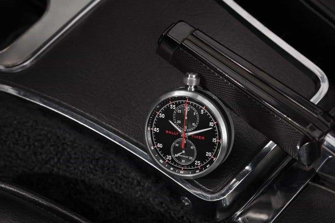 Herrenuhr Montblanc TimeWalker Chronograph Rally Timer mit schwarzem Zifferblatt und Kalbsleder-Armband bei Brogle