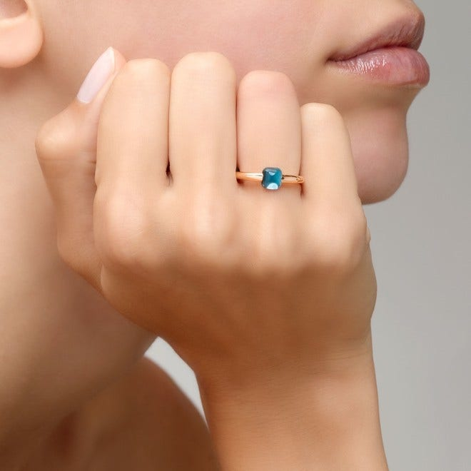 Ring Pomellato M'ama non M'ama aus 750 Roségold mit 1 Blautopas bei Brogle