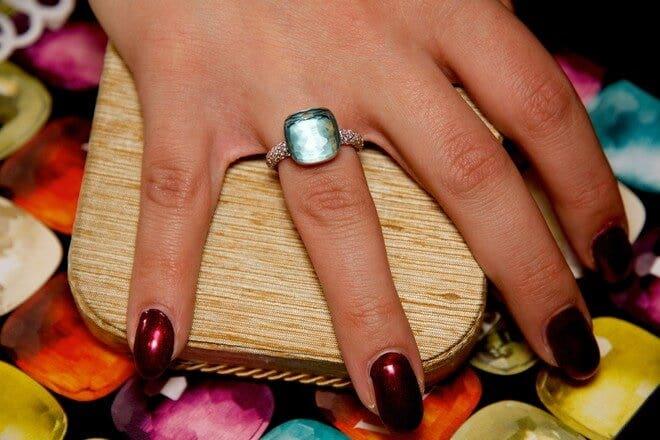 Ring Pomellato Nudo aus 750 Weißgold und 750 Roségold mit 1 Topas und mehreren Brillanten (0,73 Karat)