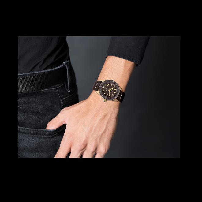Herrenuhr Rado Captain Cook Automatic 42mm mit braunem Zifferblatt und Kalbsleder-Armband bei Brogle