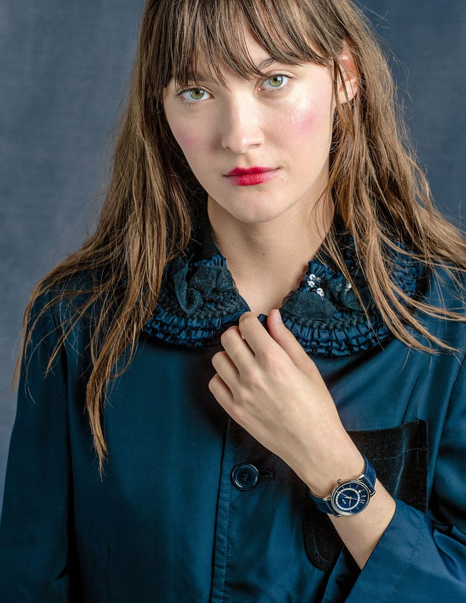 Damenuhr Rado DiaMaster Diamonds M Quarz mit Diamanten, blauem Zifferblatt und Armband aus Kalbsleder mit Krokodilprägung bei Brogle