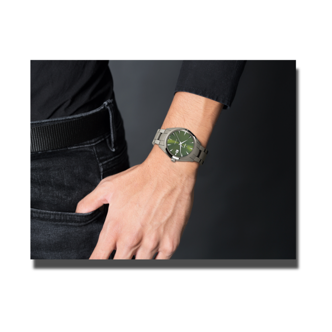 Herrenuhr Rado HyperChrome Automatik XL mit grünem Zifferblatt und Plasma-Keramikarmband bei Brogle