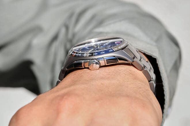 Herrenuhr Rado HyperChrome XXL Chronograph Automatik mit blauem Zifferblatt und Armband aus Keramik mit Ceramos