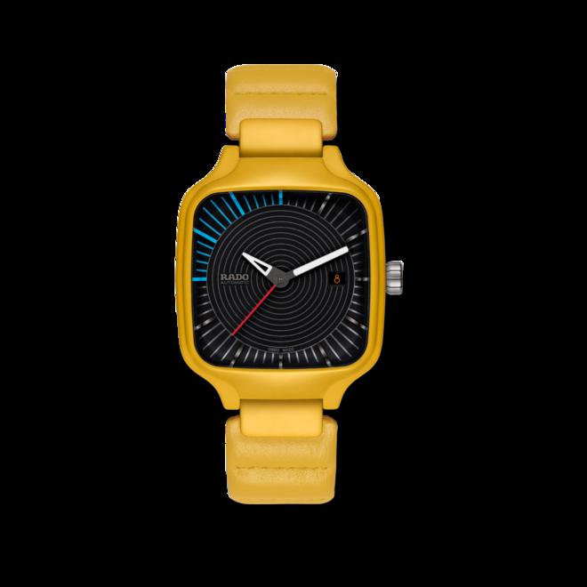 Armbanduhr Rado True Square Tej Chauhan mit schwarzem Zifferblatt und Kalbsleder-Armband bei Brogle