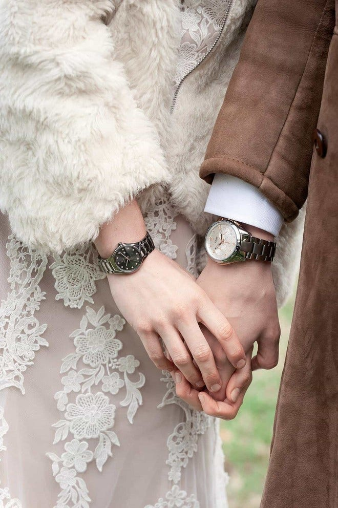 Damenuhr Rado True Diamonds S Automatik mit Diamanten, grauem Zifferblatt und Keramikarmband bei Brogle
