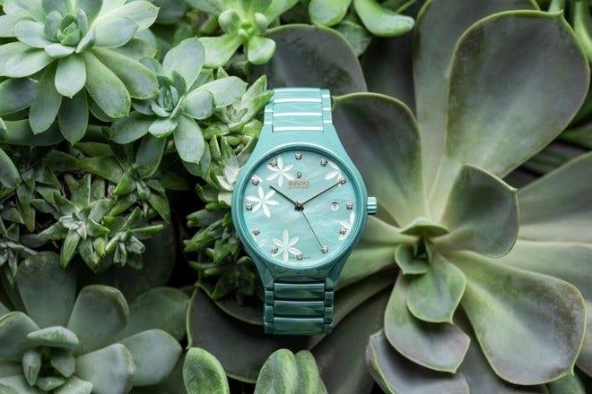 Armbanduhr Rado True Great Gardens of the World 40mm mit Diamanten, türkisfarbenem Zifferblatt und Keramikarmband bei Brogle