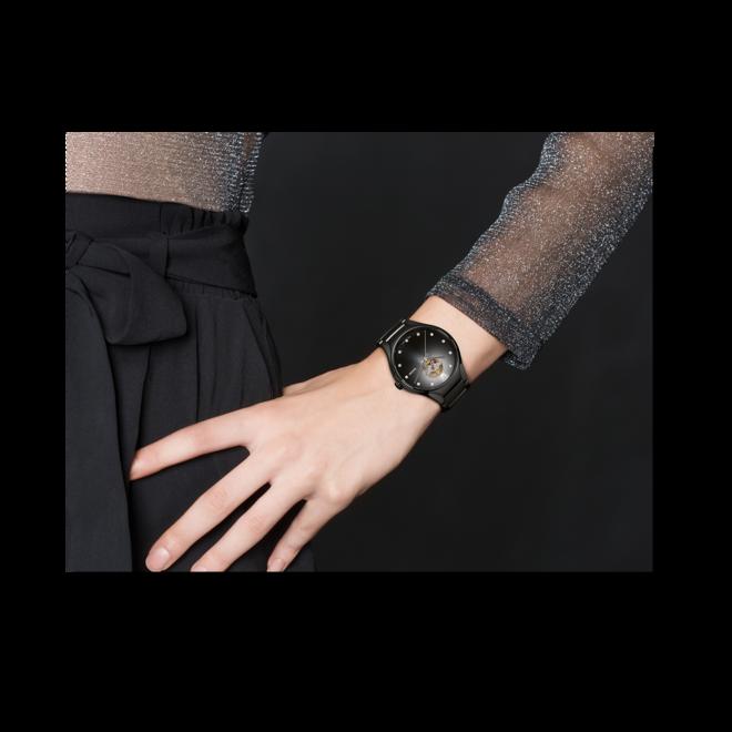 Armbanduhr Rado True Secret Diamonds mit Diamanten, schwarzem Zifferblatt und Keramikarmband bei Brogle