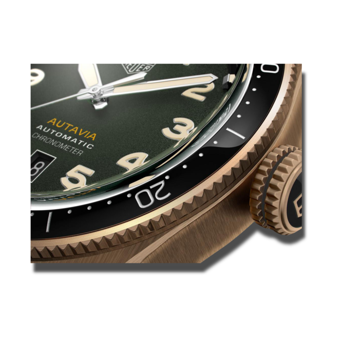 Herrenuhr TAG Heuer Autavia Automatic 42mm mit grünem Zifferblatt und Kalbsleder-Armband bei Brogle