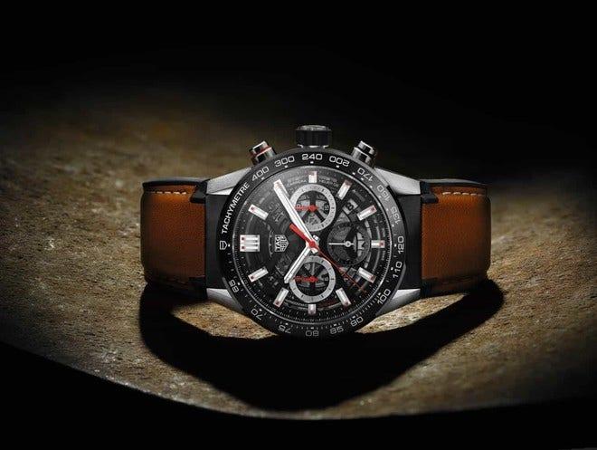 Herrenuhr TAG Heuer Carrera Heuer 02 Chronograph 43mm mit schwarzem Zifferblatt und Kalbsleder-Armband bei Brogle