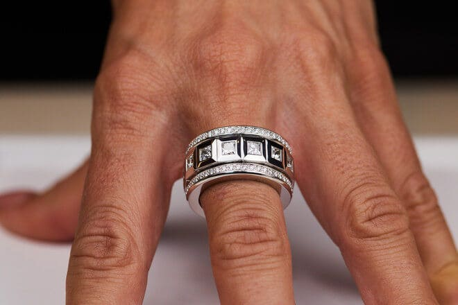 Ring Tamara Comolli Curriculum Vitae Princess Cut Diamonds aus 750 Weißgold mit mehreren Diamanten (4,64 Karat)