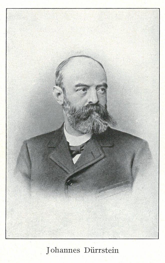 Herrenuhr Union Glashütte 1893 Große Sekunde Jubiläumsedition mit silberfarbenem Zifferblatt und Armband aus Kalbsleder mit Krokodilprägung bei Brogle