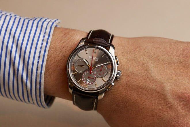 Herrenuhr Union Glashütte Belisar Chronograph mit grauem Zifferblatt und Armband aus Kalbsleder mit Krokodilprägung