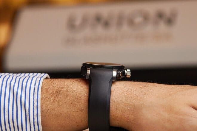 Herrenuhr Union Glashütte Belisar Chronograph mit schwarzem Zifferblatt und Kautschukarmband