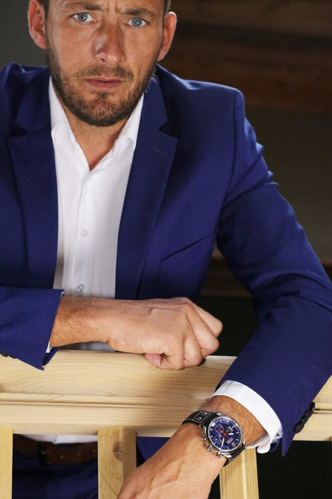 Herrenuhr Union Glashütte Belisar Pilot Chronograph mit blauem Zifferblatt und Kalbsleder-Armband