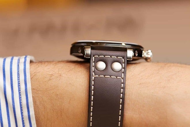 Herrenuhr Union Glashütte Belisar Pilot Gangreserve mit schwarzem Zifferblatt und Kalbsleder-Armband bei Brogle