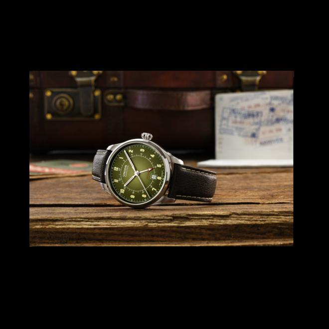 Herrenuhr Union Glashütte Belisar Zeitzone mit grünem Zifferblatt und Ziegenleder-Armband bei Brogle