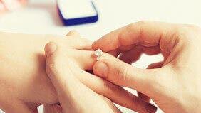 Verlobungsringe: Ratgeber & Auswahl bei Brogle