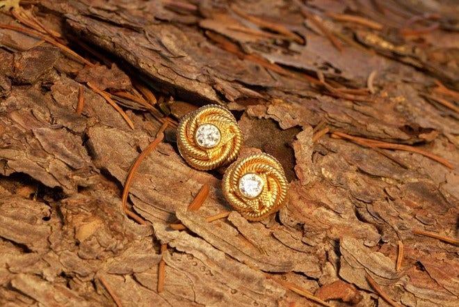 Ohrstecker Wellendorff Brillantknoten aus 750 Gelbgold mit 2 Brillanten (2 x 0,29 Karat) bei Brogle